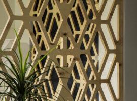 Ażury ścienne dekoracyjne z drewna