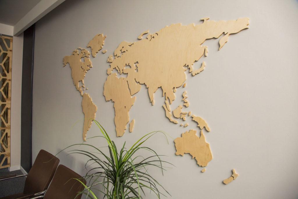 Mapy na ścianę drewniane ze sklejki