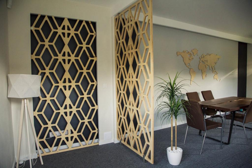 Panele ażurowe drewniane